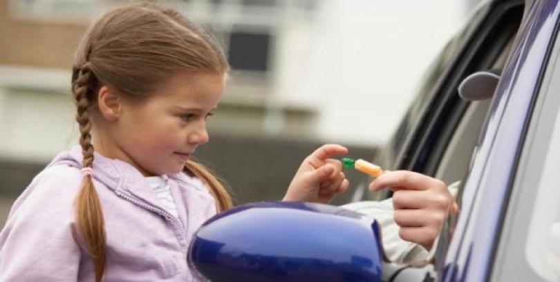 Teach Your Kids How To Keep Themselves Safe: Stranger Danger 101
