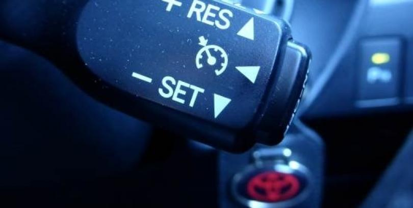 Evitar el exceso de velocidad al conducir
