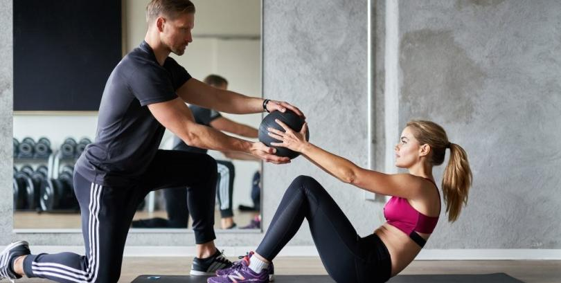 Achieve Fitness Goals with the Help of a Personal Gym Trainer