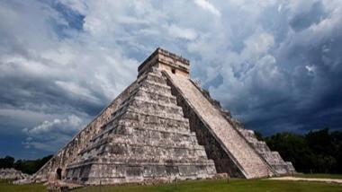 Esta foto de Chichén Itzá genera un debate sobre el uso de drones