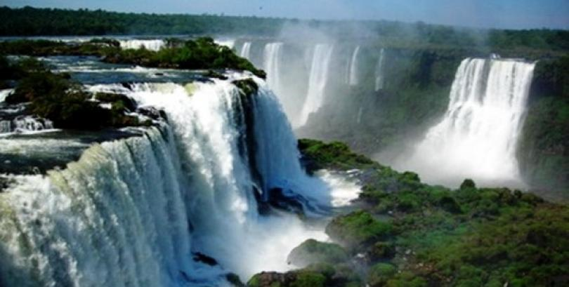 The Top 5 Amazing Waterfalls in the World you should Visit