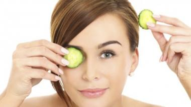 Under Eye Dark Circles Bothering You? Here are 3 Tips to Make Them Disappear Fast