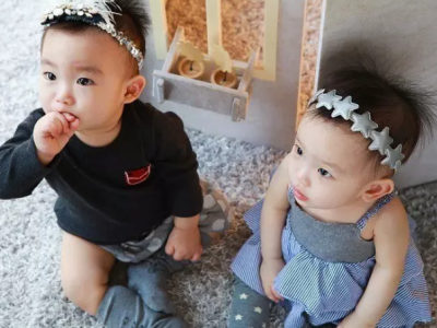 Should You Dress Up Your Twins..