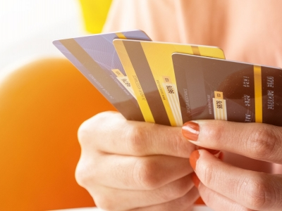 Credit Card Offerings to Custo..