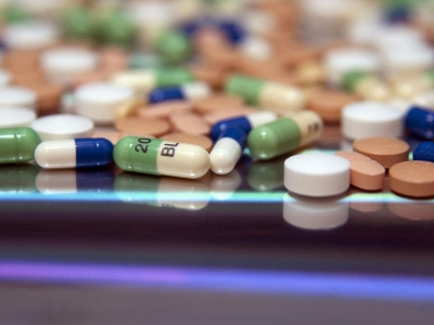 Three Situations Online Pharma..