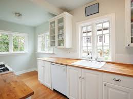 How To Make A Small Kitchen Mo..