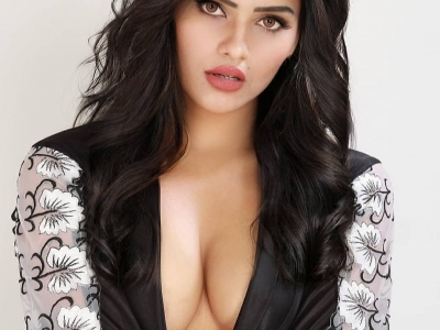 Get the adorable escorts in Ud..