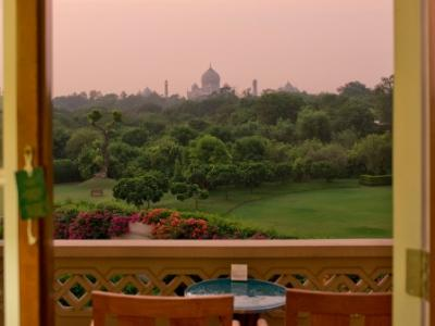 Book A Trip to Agra With Delhi..