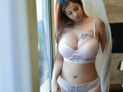 Get the college girl escorts i..